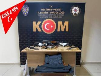 Nevşehir'de gece kulübünde kalaşnikof tüfek ve 5 tabanca ele geçirildi 10.09.2021