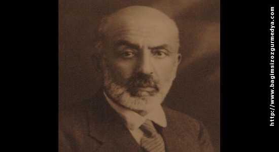 Mehmet Akif ERSOY: Bilmeyenler  ve Hissetmeyenler için İstiklal Marşımızın...
